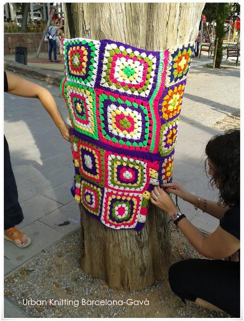 urban knitting tejiendo el parque 9